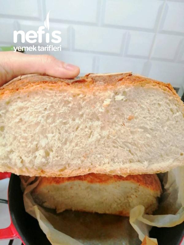 Döküm Tencerede Çıtır Ekmek