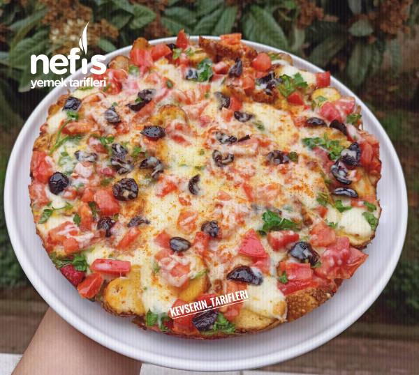 Kahvaltıya 10 Dakikada Hazırlayacağınız Enfes Simit Pizzası