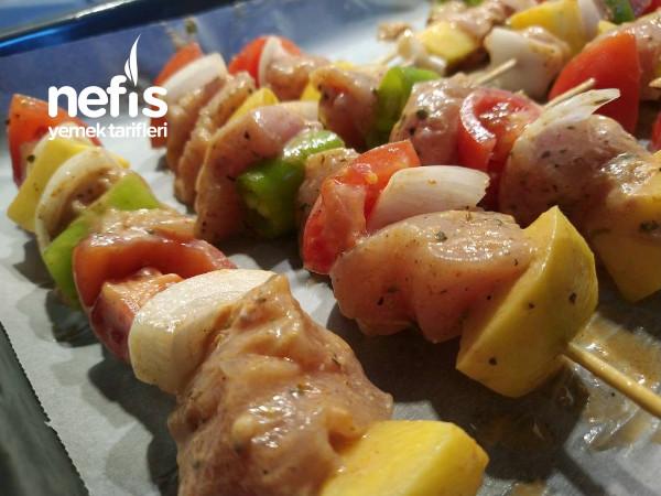 Fırında Sebzeli Tavuk Şiş (Lokum Gibi Yumuşacık)