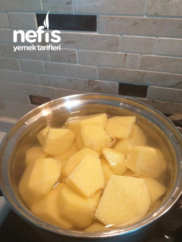 Patates Püre Eşliğinde Soslu Antrikot