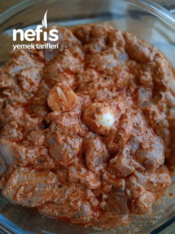 Susamlı Patates Eşliğinde Lokum Gibi Tavuk Şiş