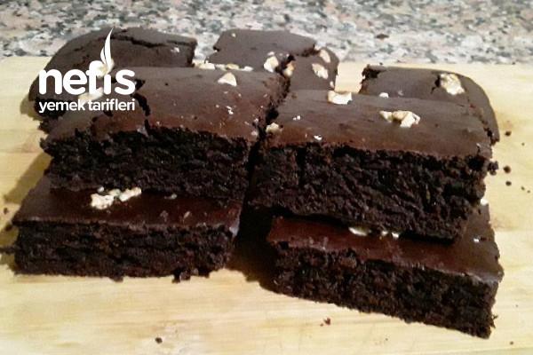 Browni Tadında Şekersiz Hurmalı Nemli Kek (Lezzeti Olay)
