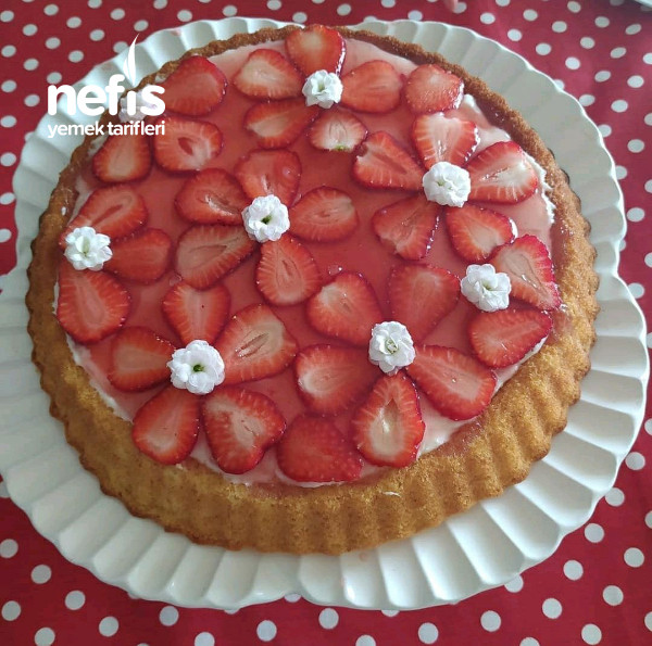 Çilekli Tart Kek Pasta