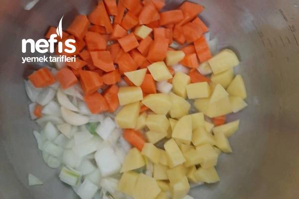 Lokantalara Taş Çıkaran Mercimek Çorbası