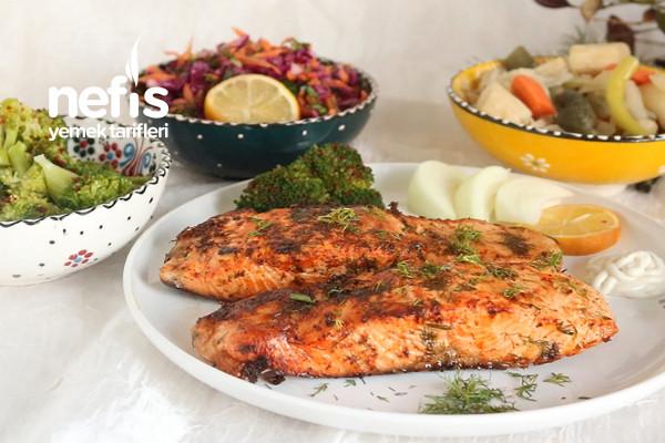 Somon Balığını Bu Sos İle Deneyin Tavada Soslu Somon Balığı