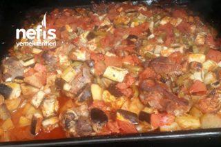 Kuzu Etli Fırında Patlıcan Yemeği Tarifi