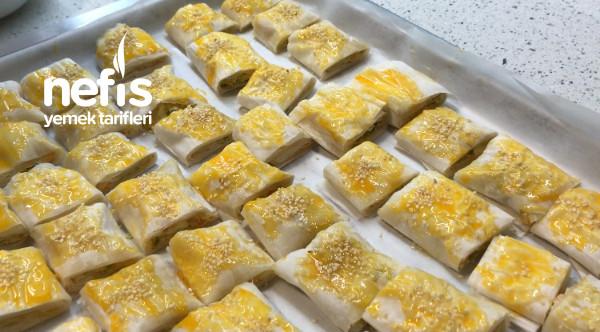 Baklava Yufkasında Sebzeli Börek