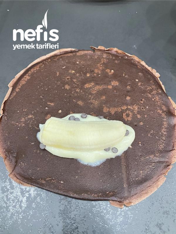 Çikolatalı Muzlu Krep Sarma