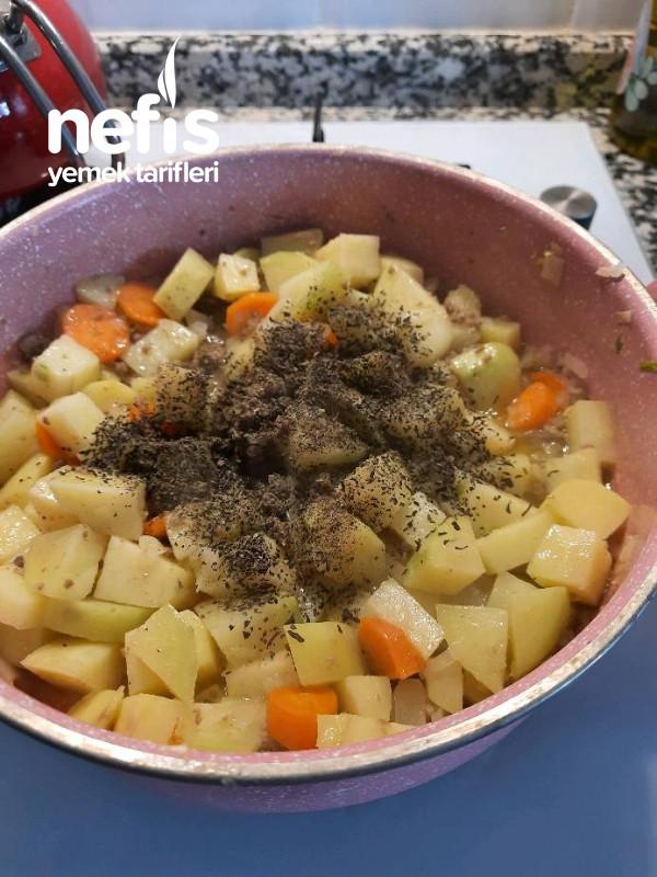 Fesleğenli Enfes Patates Yemeği