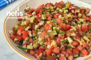 Kaşık Salatası (veya Gavurdağı Salatası) Tarifi