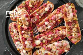 Sandviç Ekmeğinde Pizza Tarifi