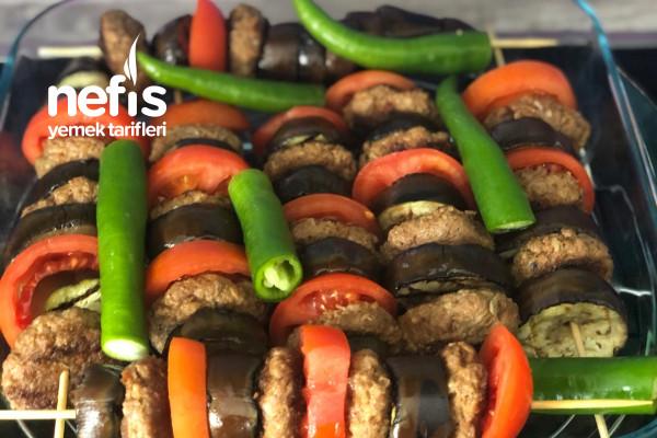 İftara Harika Bir Ana Yemek Tarifi Şişte Köfteli Patlıcan Kebabı