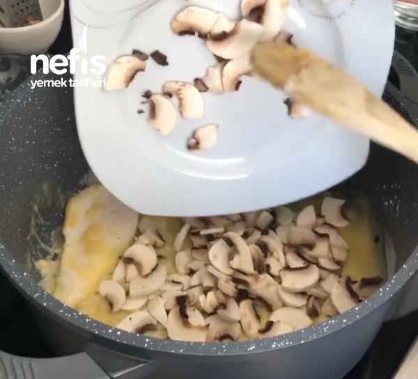 İftara Yapabileceğiniz Herkesten Tam Not Alacak Bir Çorba Tavuklu Mantar Çorbası