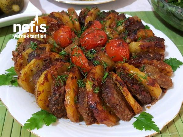 Kızartmadan Fırında Köfteli Patates Dizmesi
