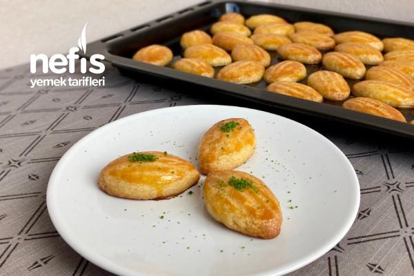 Tam Kıvamında Pastane Usulü Şekerpare (Videolu)