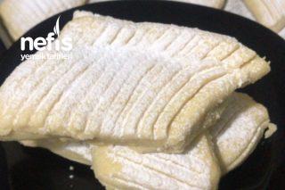 Un Kurabiyesi (90 Lı Yılların Pastane Kurabiyesi) Tarifi