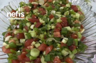 Yeşil Soğanlı Kaşık Salatası Tarifi