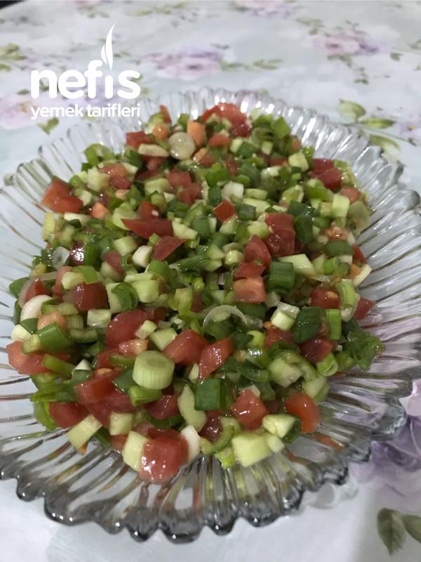 Yeşil Soğanlı Kaşık Salatası