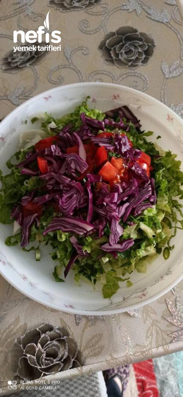 Sumaklı Salata
