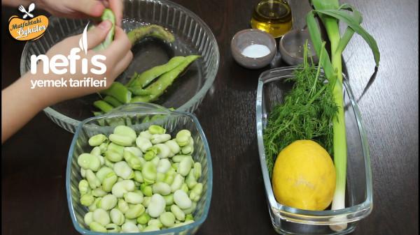 Yiyene Bir Daha Yedirten Ege Usulü İç Bakla Salatası (Videolu)