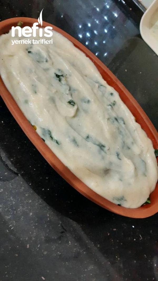 Patates Yatağında  Besemal Soslu Ispanak