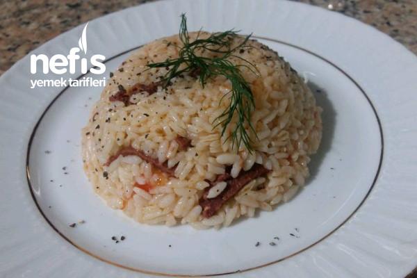 Sucuklu Pirinç Pilavı