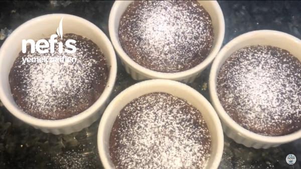 Akışkan Çikolatalı Sufle Yapımı Kolay Yemesi Olay… Asla Bir Tane Yetmez