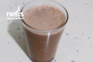 Sadece 3 Malzeme İle Sıcak Çikolata Yapımı Tarifi