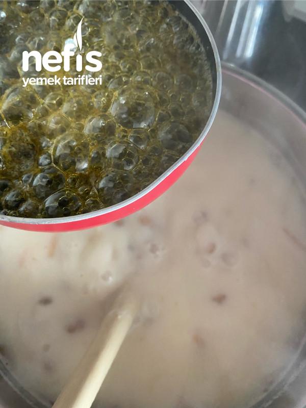 Yeşil Mercimekli Erişteli Yoğurt Çorbası