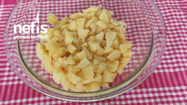 Nefis Soslu Patates Salatası