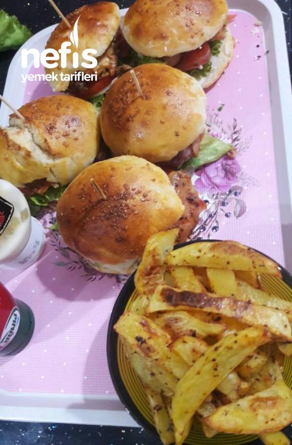 Ezberleri Bozan, Tavuk Izgara hamburger.