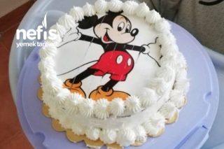 Mickey Mouse Konseptli Yaş Pasta Tarifi