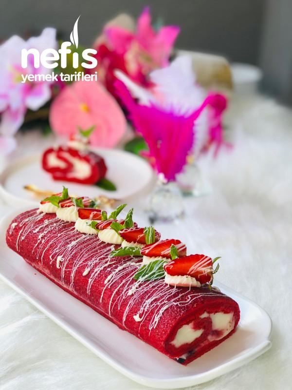 Çilekli Rulo Red Velvet Pasta