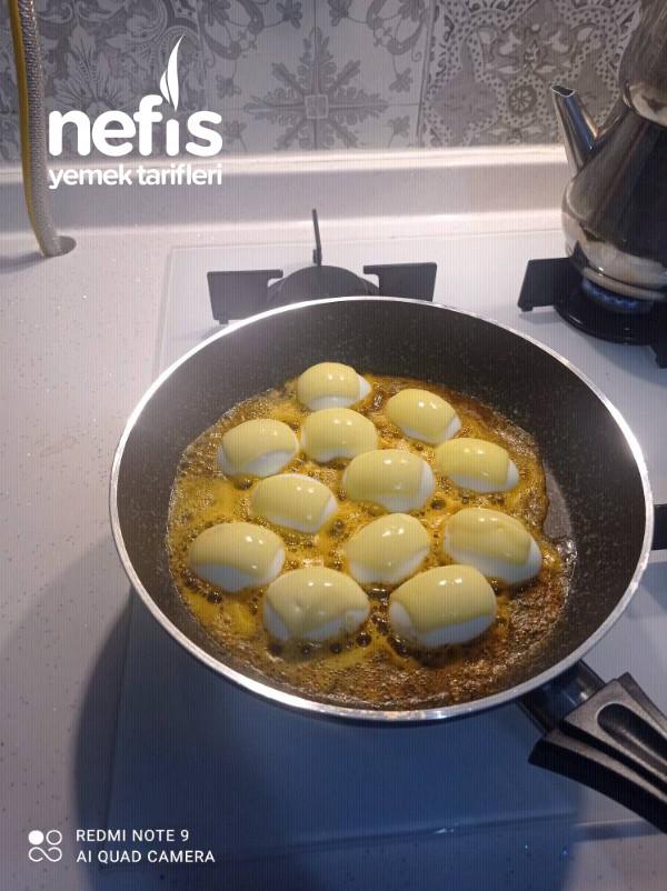 Tereyağli Haşlanmış Yumurta