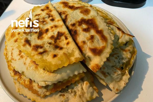 Çiriş Otu Ve Peynirli Ispanak Böreği