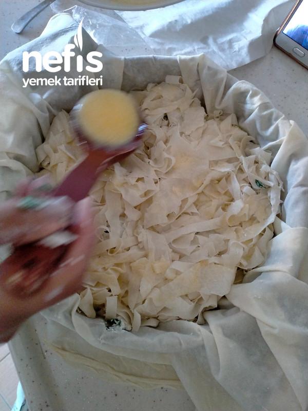 Tava Böreği ( Su Böreği Kıvamında)