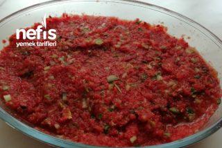Kebapçı Salatası (Et Yemeklerinin Yanına) Tarifi