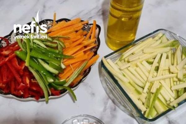 Fırında Sebzeli Ve Soslu Rengarenk Kızartma