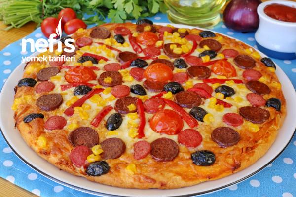 Kapış Kapış Gidecek En Kolay Pizza Tarifi (videolu)