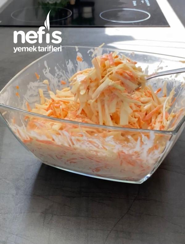 Çıtır Tavuk Ve Coleslaw Salata