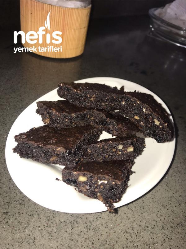 Cevizli Hurmalı Şekersiz Unsuz Brownie Kek
