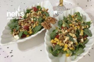 Kaşık Kaşık Yiyeceğiniz Cevizli Semizotlu Salata Tarifi