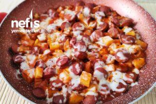 Harika Bir Kahvaltı Önerisi Kaşarlı Sosisli Patates Tarifi