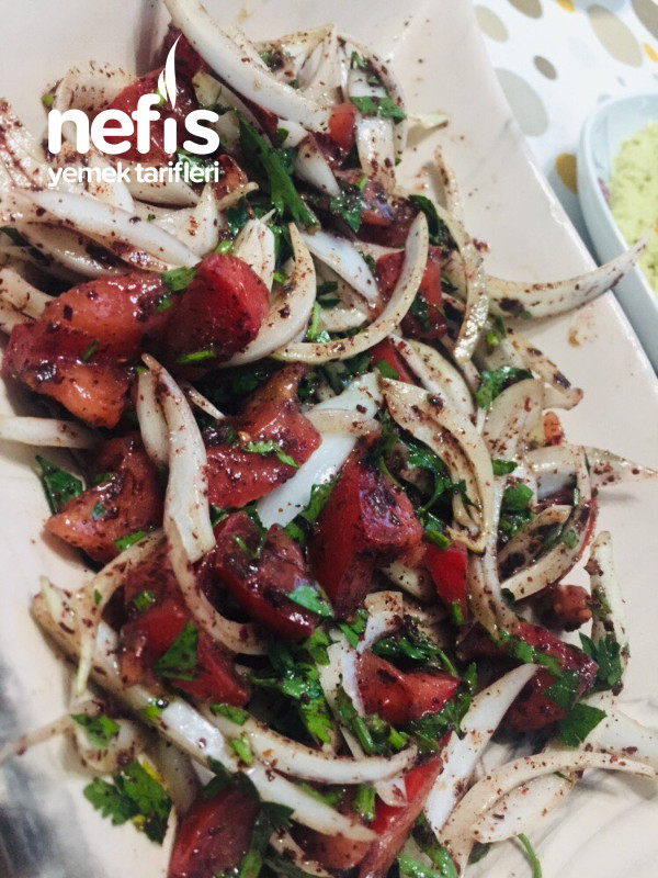 Tablacı Salatası (Kebap Salatası)