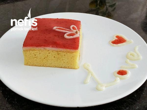 Çilekli Borcam Pastası (Trileçe Tadında)