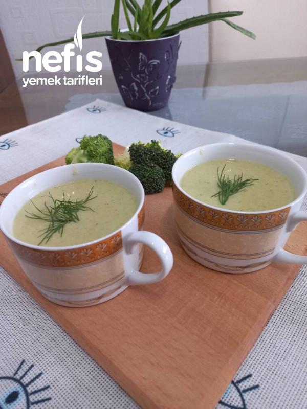 Sütlü Labneli Brokoli Çorbası
