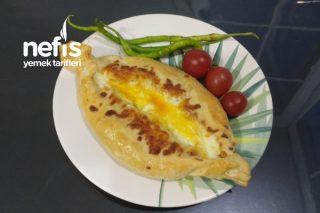 Khachapuri - Haçapuri - 3 Peynirli Yumurtalı Pide Tarifi