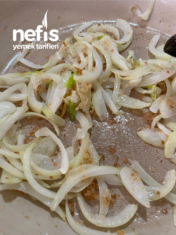 Kremalı Karamelize Soğanlı Patates Çorbası