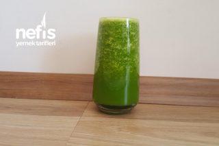 Sağlıklı Yeşil Smoothie (Ödem Atıcı Tok Tutan Leziz Mucize İçecek) Tarifi