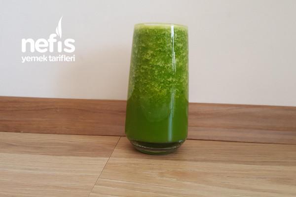Sağlıklı Yeşil Smoothie (Ödem Atıcı Tok Tutan Leziz Mucize İçecek)